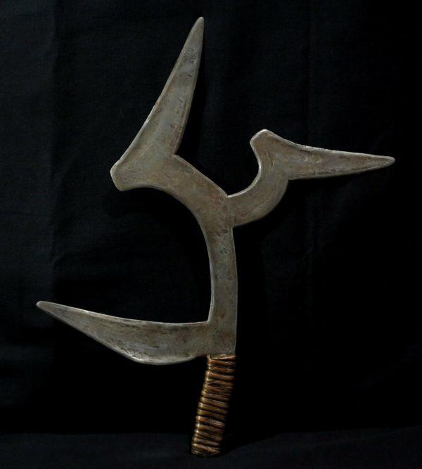 Old Throwing Knife – MOKO-NDO – Ngbaka Mabo – DR Congo