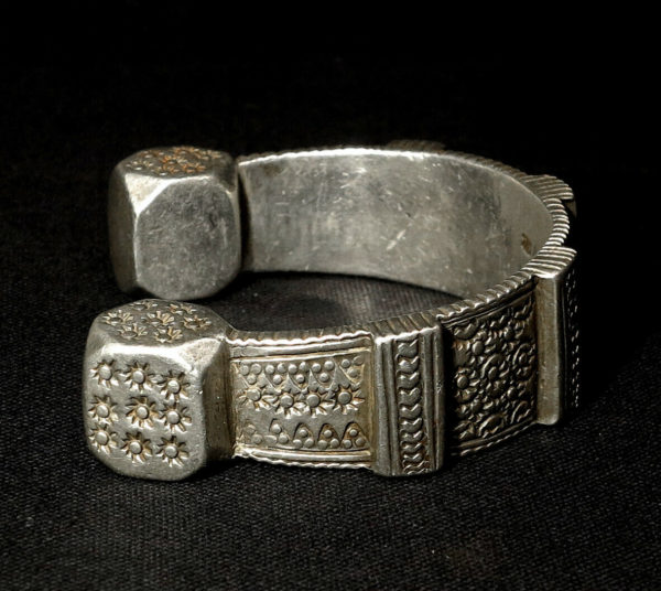 Old Massive Silver Berber Bracelet – AIT JELIDASSEN – North Morocco